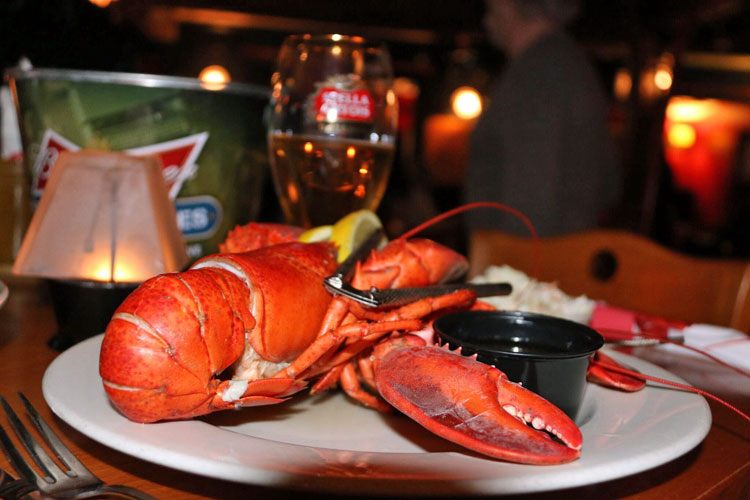 Wildcat Tavern - Jackson, NH - lobster